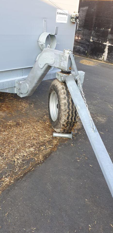 Wheel quattro calf hutch